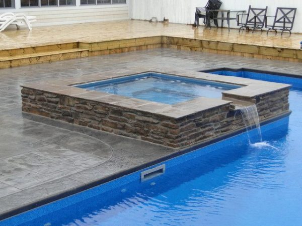 Spillover Spa - Pool Feature